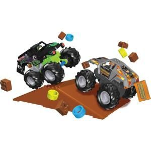 Monster Jam Grave Digger Vs Maximum Destruction Building Play Set DISCONTINUED 57117