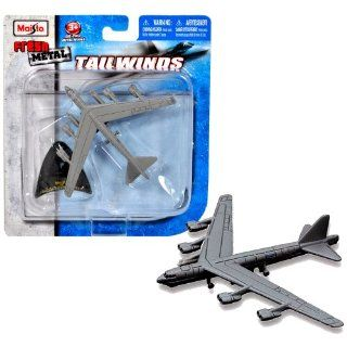 Maisto Fresh Metal Tailwinds 1493 Scale Die Cast United States Military Aircraft   U.S. Air Force Long Range, Subsonic, Jet Powered, Strategic Bomber B 52H Stratofortress with Display Stand Toys & Games