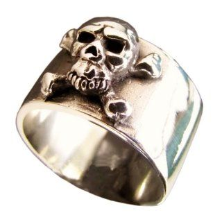 Bronze Pirate Ring Skull and Cross Bones Outlaw Biker Ring   Size 4: Jewelry