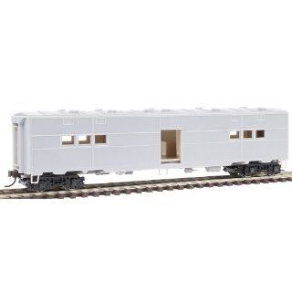 Walthers HO Scale Military   US WWII   Railroad Equipment ACF Built Troop Kitchen Car 932 4180: Toys & Games