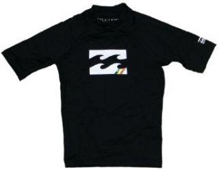 Billabong All Day SS Boy's Rash Guard   Black   14  Athletic Rash Guard Shirts  Sports & Outdoors