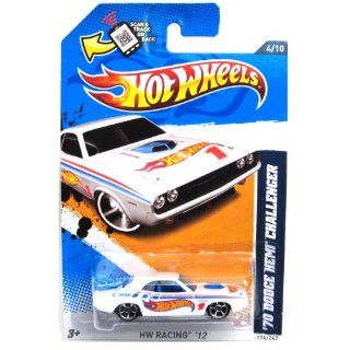 Hot Wheels   '70 Dodge Hemi Challenger (White)   HW Racing 12   4/10 ~ 174/247 [Scale 164] Toys & Games