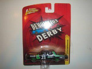 2011 Johnny Lightning R18 Demolition Derby 1967 Plymouth Fury II Demo Derby Black/Green: Toys & Games