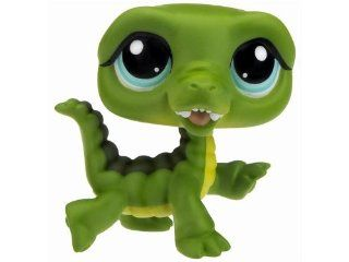 Littlest Pet Shop Special Edition Pet Happiest #987 Alligator (Crocodile) with Slippers and Sunglasses: Toys & Games