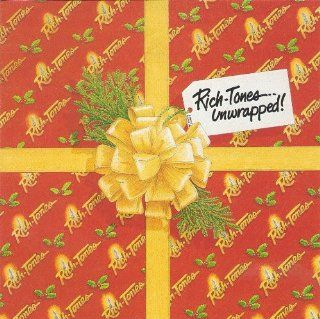 14 Track Christmas Cd Sleigh Ride / Let It Snow / Gift of Love / Star Carol / What Can I Give Him / Psalm98/shalom / Silent Night/night of Silence / It's Beginning to Look a Lot Like Christmas/pine Cones and Holly Berries / Santa Baby / Festival of Li