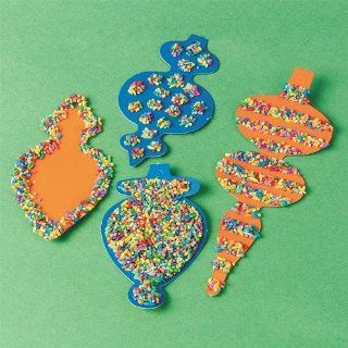 S&S Worldwide Holiday Ornaments Craft Kit (Makes 12): Toys & Games