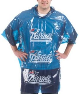 New England Patriots RM2 Lightweight Rain Poncho : Sports Related Merchandise : Clothing