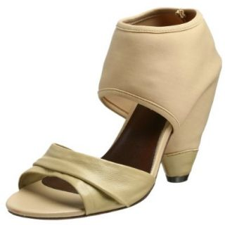 Cindy Says Women's Pyramid Sandal, Natural, 5 M US: Shoes